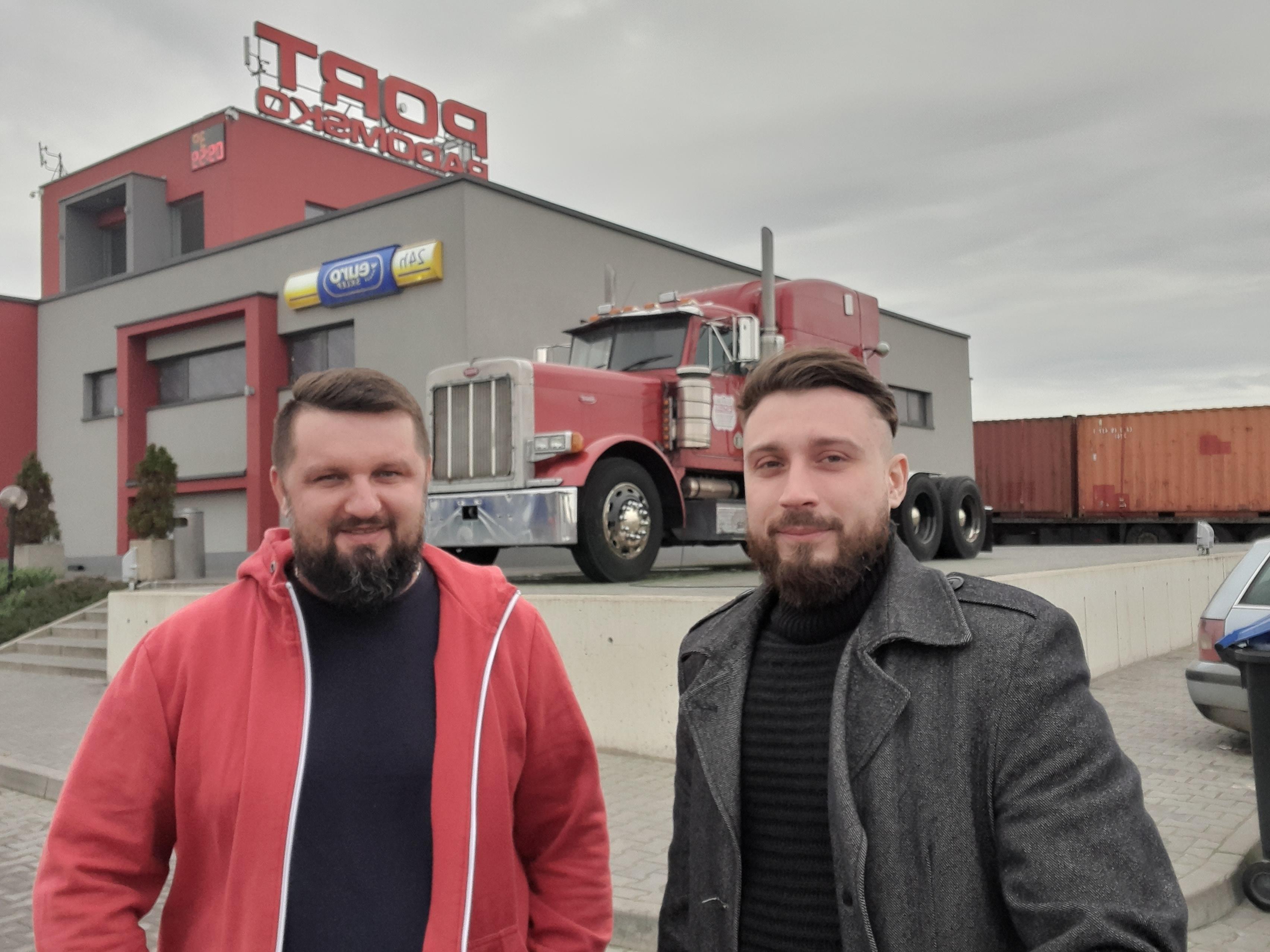 """Wręczenie nagrody kierowcy w konkursie """"Autostrada Nagród"""""""